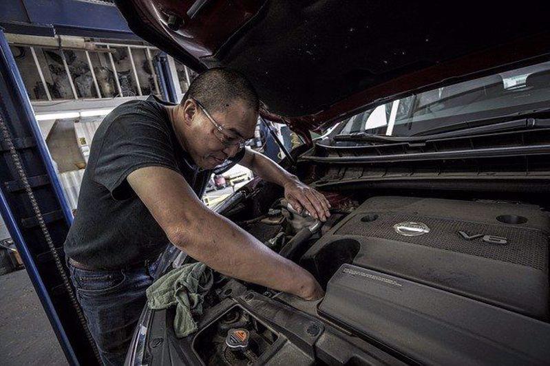 5 Car Maintenance Mistakes Too Many Of Us Make